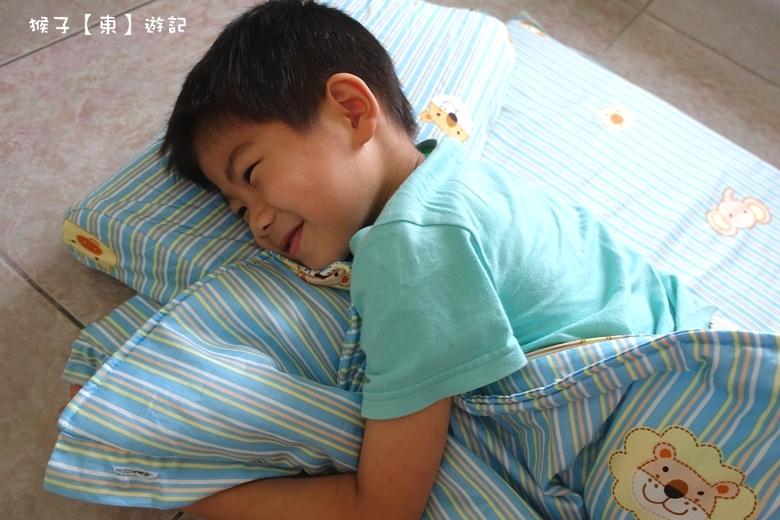 SQ 鈕扣型多功能乳膠睡袋 天然 環保 防蟎 舒適 幼兒園午休必備睡袋推薦 - 兩用被, 天然乳膠床墊, 天然乳膠枕, 學校睡袋 - 猴子【東】遊記 - 親子 旅遊 住宿 景點 美食