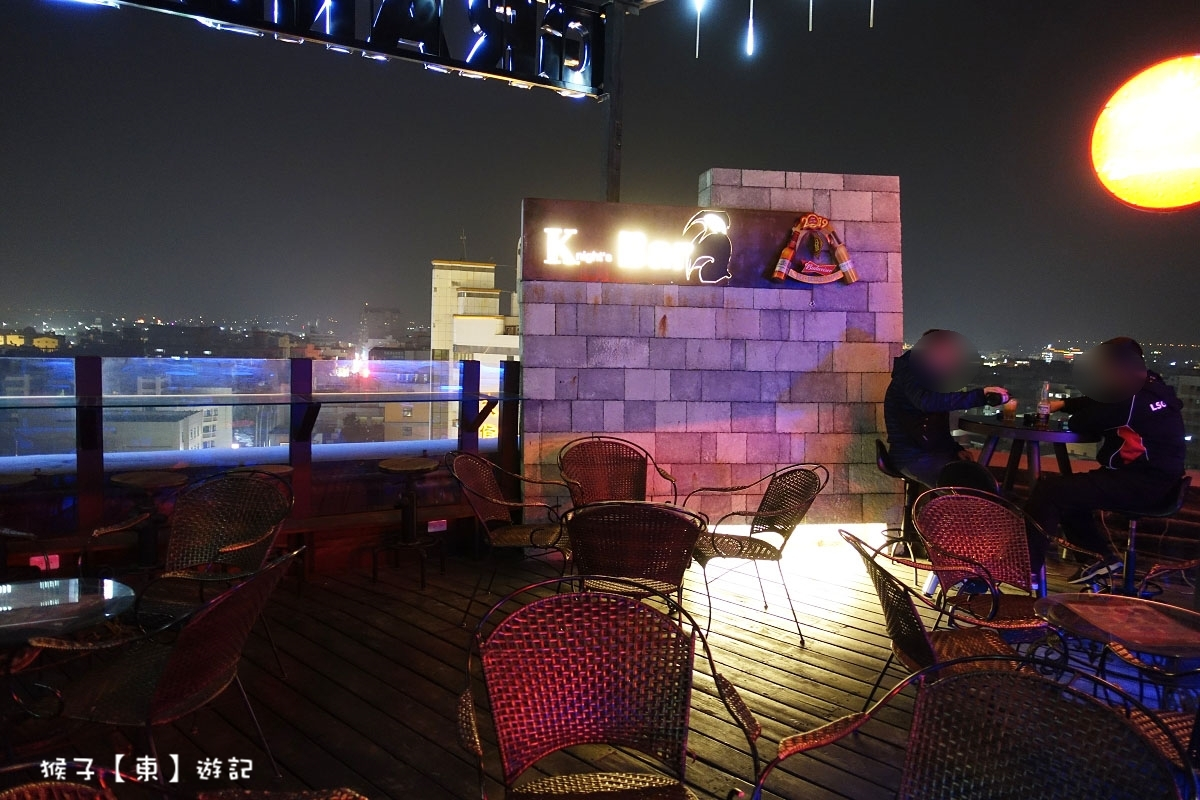 [雲林] Knight's Bar 露天酒吧 斗六市區最佳看夜景約會餐廳 琥珀黑糖珍珠鮮奶必點 壽星優惠超好康 - 夜景餐廳, 斗六約會餐廳, 雲林斗六餐廳推薦 - 猴子【東】遊記 - 親子 旅遊 住宿 景點 美食